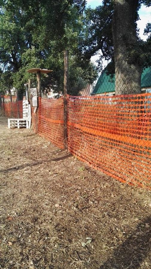 Yarn Bombing Viterbo: «Rimossi i pannelli all'uncinetto del parco delle querce, perché?»